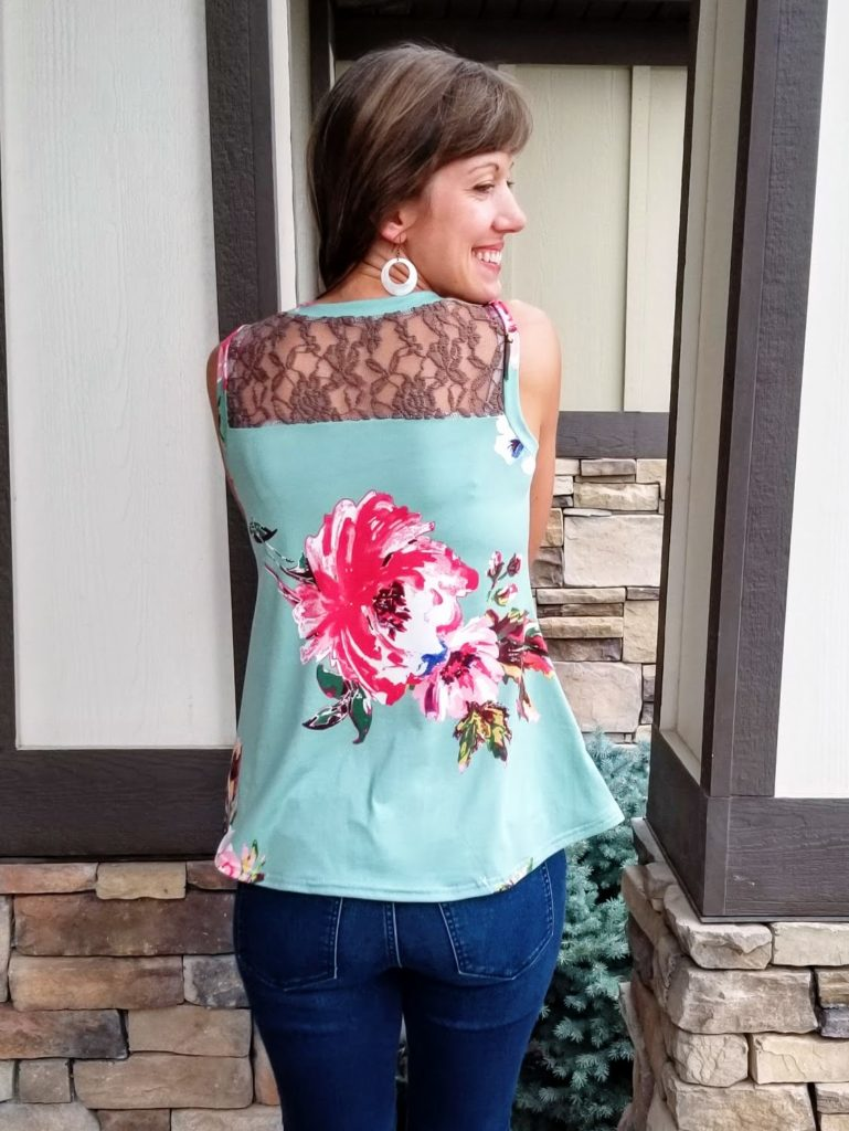 tank with lace color blocking